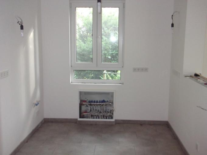 anruf vom fliesenleger handwerker umbau fliesen. Black Bedroom Furniture Sets. Home Design Ideas