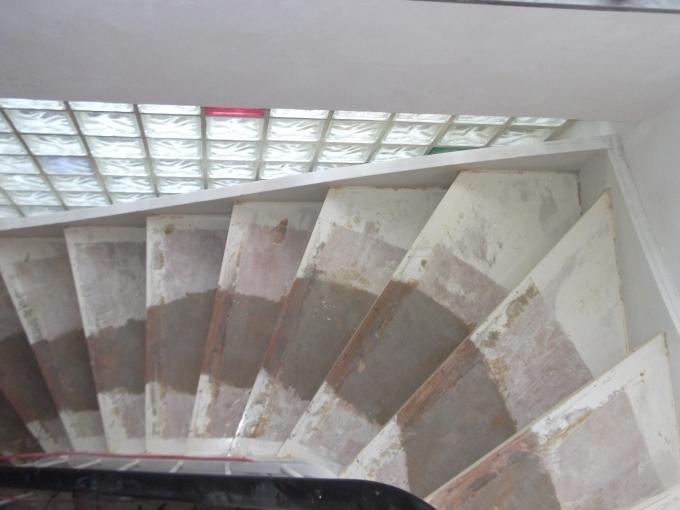 meister eder oder wieso wir kein holz mehr sehen k nnen umbau f n holz schleifen treppe. Black Bedroom Furniture Sets. Home Design Ideas