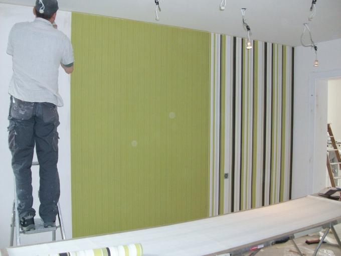 bunt ist das dasein pling handwerker umbau bunt farbe streichen tapete trophy das. Black Bedroom Furniture Sets. Home Design Ideas