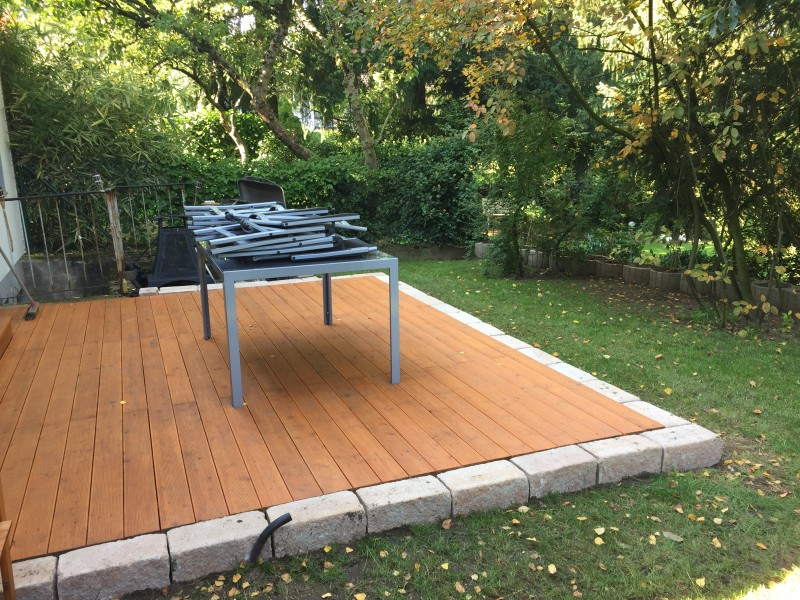 terrasse ohne fundament ein gartenhaus viele gesichter selber machen der terrassenbau. Black Bedroom Furniture Sets. Home Design Ideas